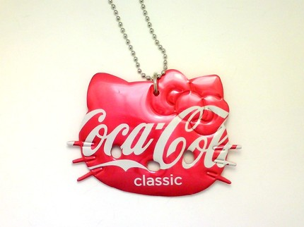 hello kitty necklace coca cola soda can