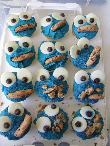 cookie monster cake. These Cookie Monster cupcakes