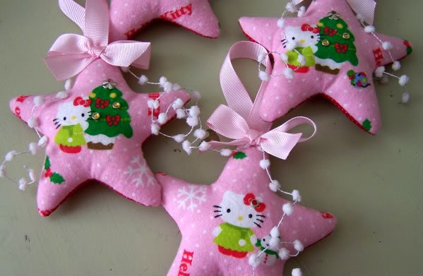 hello kitty christmas decoration 2 | GadgetHer