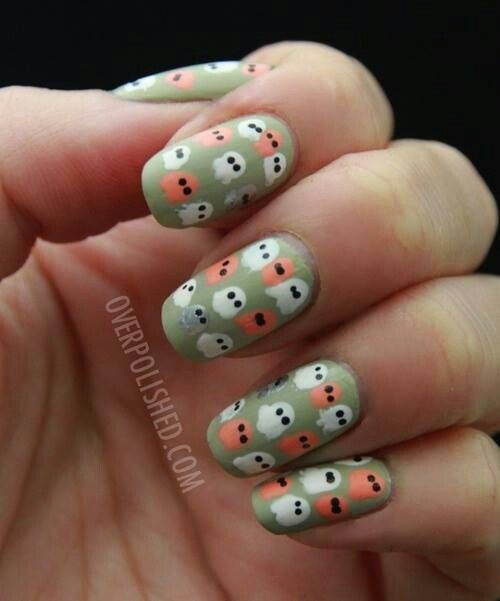 Spooky Halloween Nails Art 4