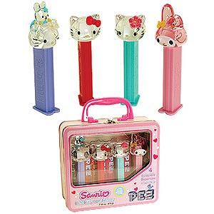 hellp kitty candy pez dispenser
