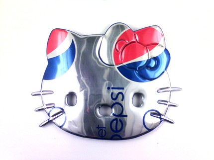 hello kitty necklace diet pepsi cola soda can
