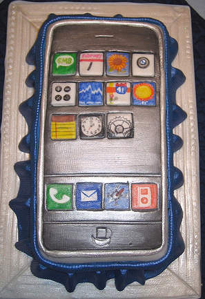 cool iphoen cake design