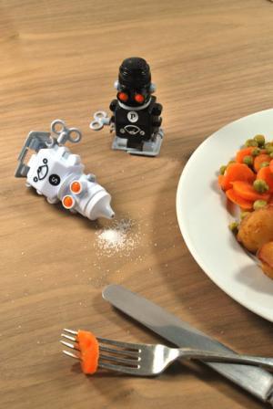 salt_and_pepper_robots_2