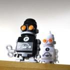 salt_and_pepper_robots_3