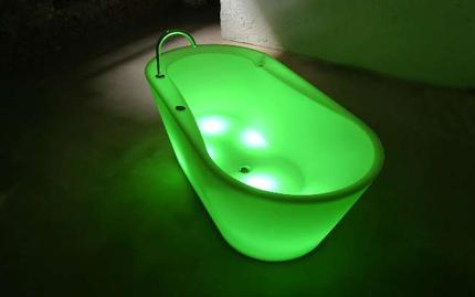 illuminated bathtub