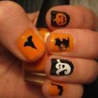 Spooky Halloween Nails Art 1