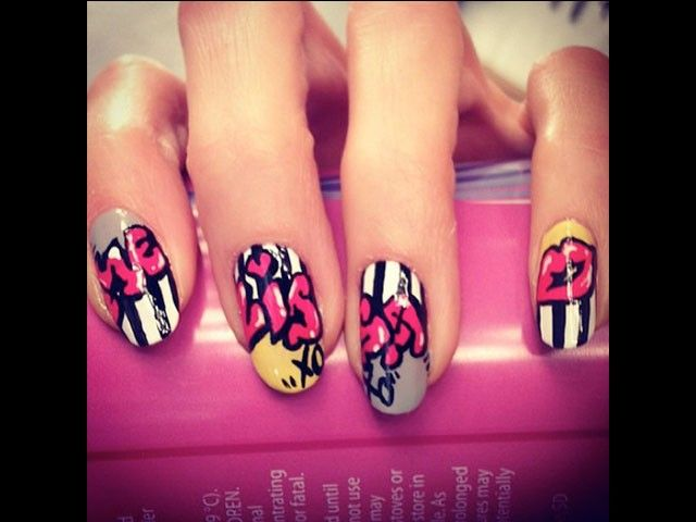 graffitinails5